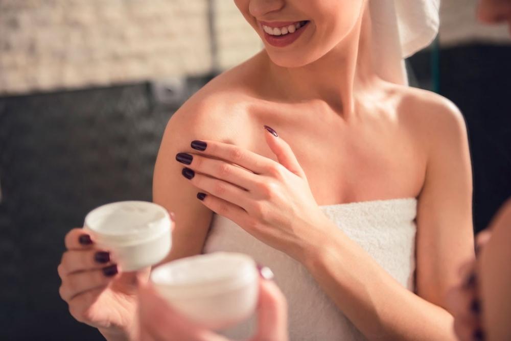 Masz suchą skórę? Przyczyny, objawy i pielęgnacja
