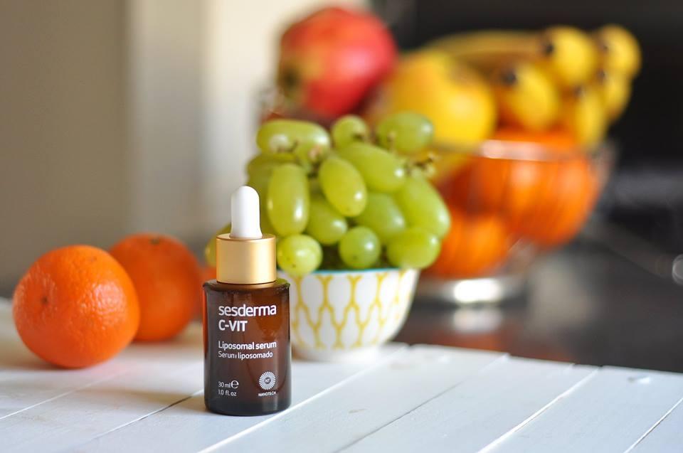 Dlaczego warto stosować kosmetyki z witaminą C?